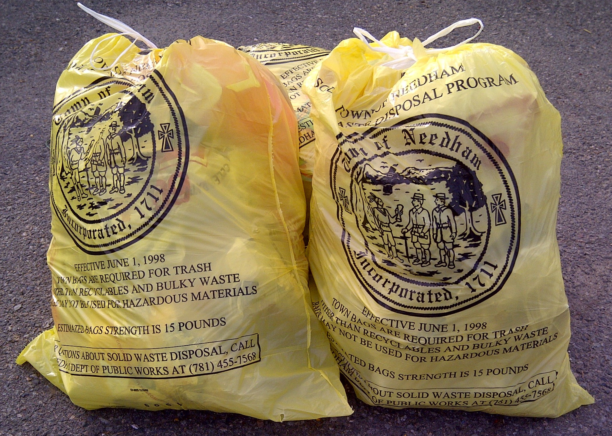 """Globe West's """"The Argument"""": Should Needham Ban Single-Use Plastic Bags?"""